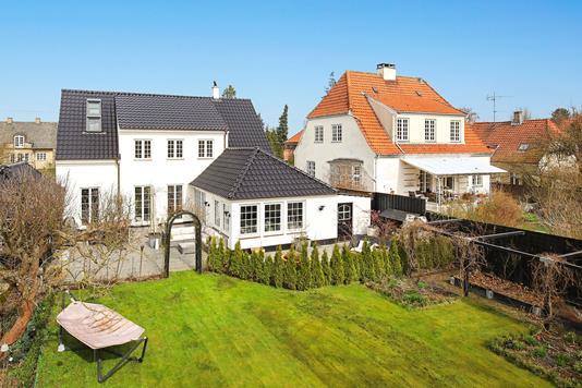 Villa på C.F. Richs Vej i Frederiksberg - Ejendommen