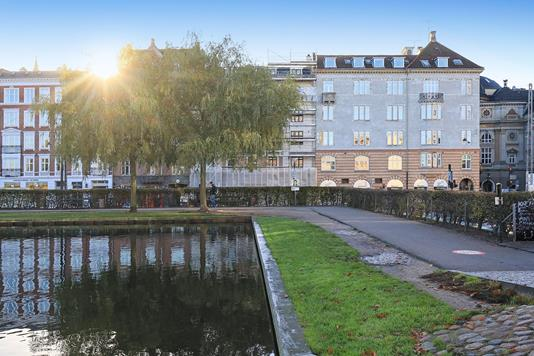 Ejerlejlighed på Gammel Kongevej i København V - Ejendommen