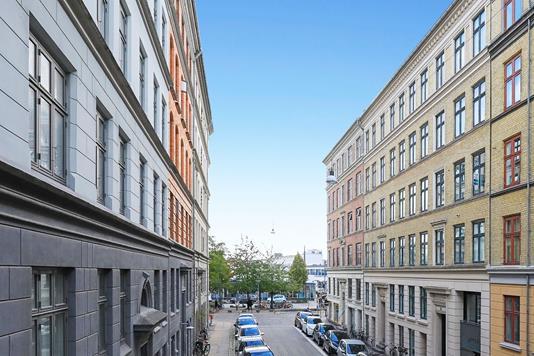 Ejerlejlighed på Eskildsgade i København V - Ejendommen