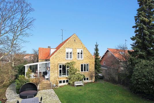 Villa på Jens Jessens Vej i Frederiksberg - Ejendommen