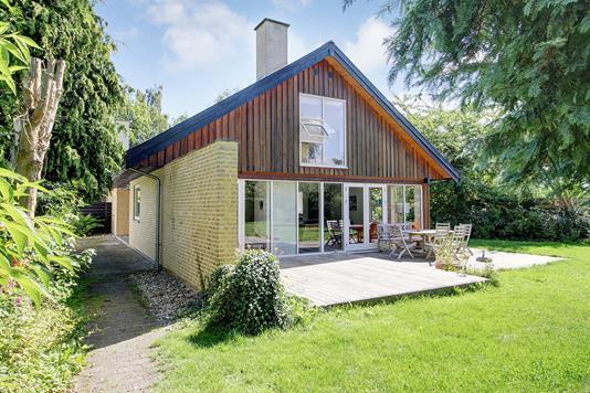 Villa på Valnøddevej i Hornbæk - Ejendommen