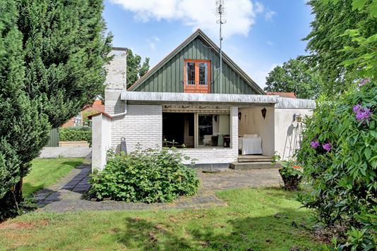 Villa på Drachmannsvej i Hornbæk - Ejendommen