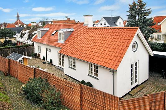Villa på Lars Kuhlmanns Vej i Hornbæk - Ejendommen