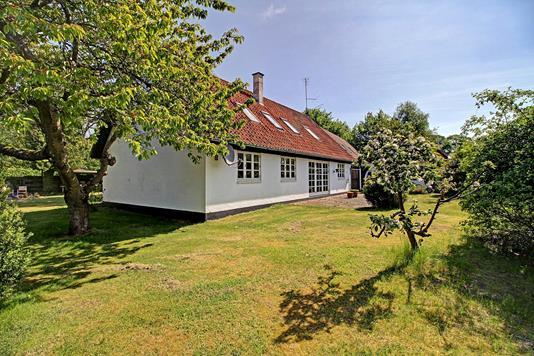 Villa på Saunte Bygade i Hornbæk - Ejendommen