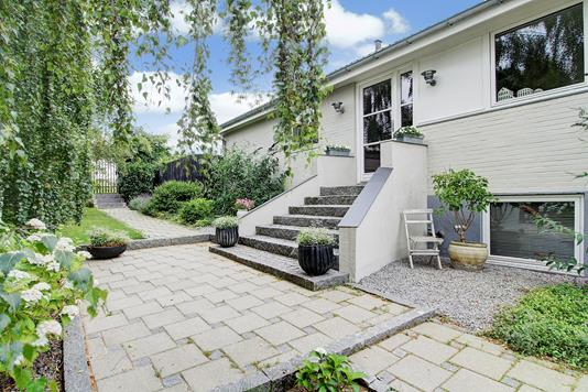 Villa på Jupitervej i Hornbæk - Ejendommen