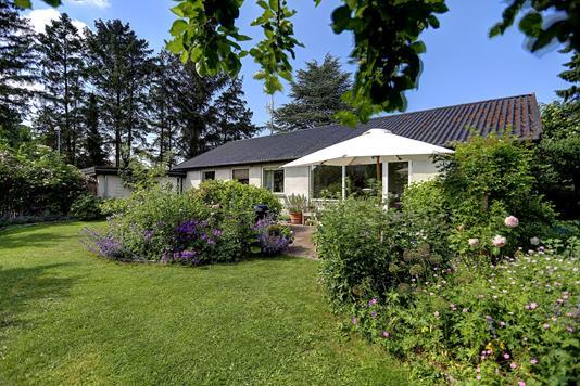 Villa på Stenstrupvænget i Hornbæk - Ejendommen