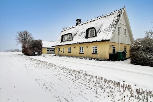 Villa på Skibstrupvej i Hornbæk - Ejendommen