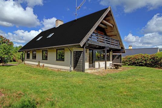 Villa på Sauntevænget i Hornbæk - Ejendommen