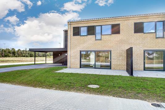 Villa på Østerbækvej i Hornbæk - Ejendommen