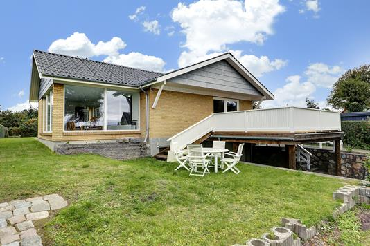Villa på Harboesvej i Hornbæk - Ejendommen