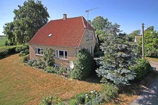 Villa på Smedevej i Dronningmølle - Ejendommen