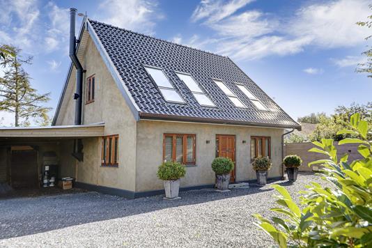 Villa på Smidstrup Strandvej i Gilleleje - Indkørsel