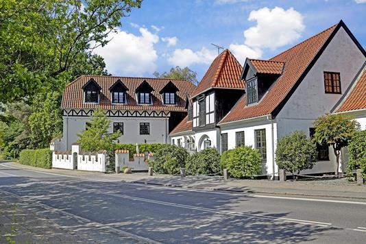 Fritidsbolig på Dr Mølle Strandvej i Dronningmølle - Ejendommen