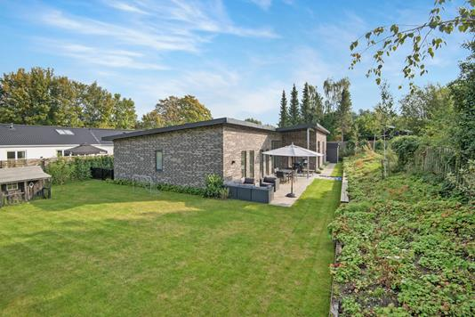 Villa på Lyngholmsvej i Kongens Lyngby - Ejendommen