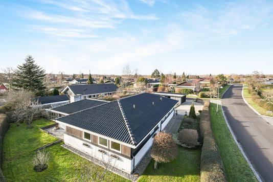 Villa på Hjortevænget i Kokkedal - Ejendom 1