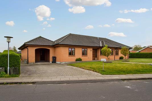 Villa på Thit Jensen Vej i Bredsten - Ejendommen