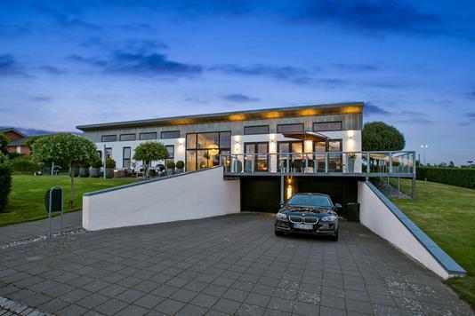 Villa på Lertoften i Vejle - Set fra vejen