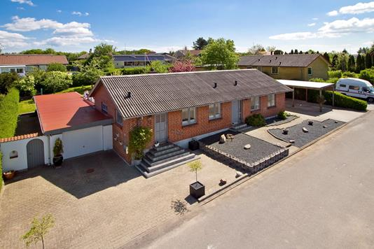 Villa på Venusvej i Børkop - Set fra vejen