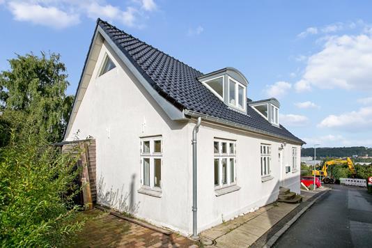 Villa på Løjpen i Vejle - Set fra vejen