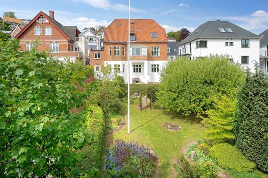 Villa på Jellingvej i Vejle - Set fra haven