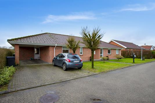 Villa på Mølkærparken i Vejle - Set fra vejen