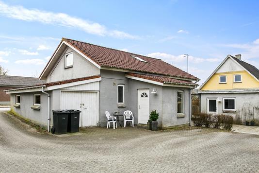 Villa på Billundvej i Bredsten - Set fra vejen