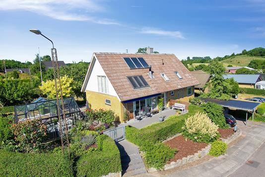 Villa på Brunhøj i Vejle - Set fra vejen
