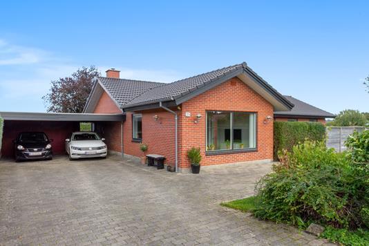 Villa på Skøn Valborgs Vej i Vejle - Set fra vejen