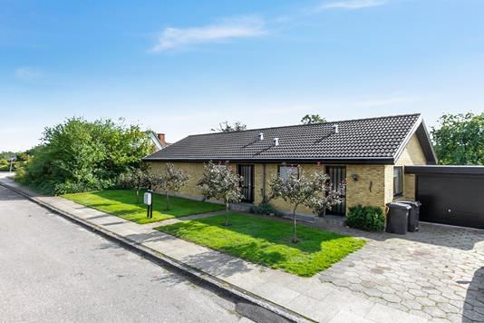 Villa på Havesangervej i Vejle - Set fra vejen