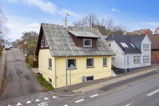 Villa på Jellingvej i Vejle - Set fra vejen