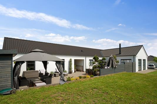 Villa på Rosenhaven i Vejle Øst - Set fra haven