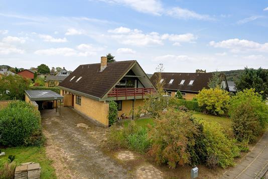 Villa på Svalevej i Vejle - Set fra vejen