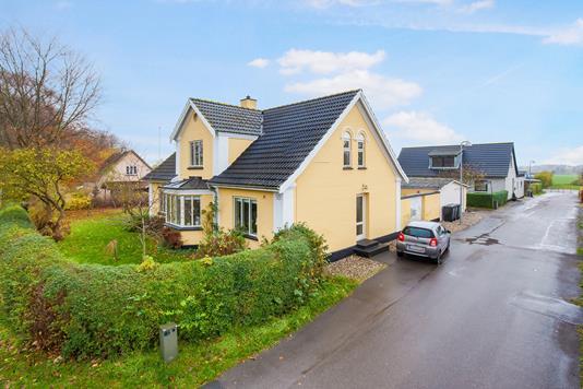 Villa på Stationsvej i Mørkøv - Ejendommen