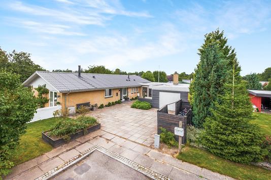 Villa på Drosselvej i Jyderup - Ejendommen
