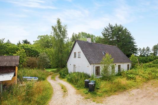 Villa på Dønnerupvej i Jyderup - Ejendommen