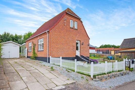 Villa på Engvej i Jerslev Sjælland - Ejendommen
