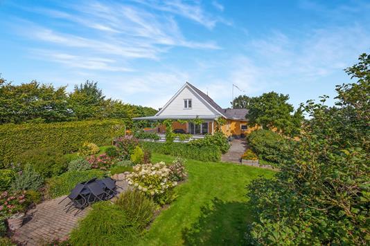 Villa på Gunhøjvej i Føllenslev - Ejendommen