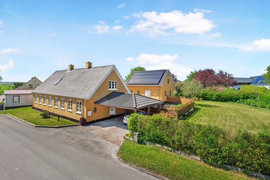 Villa på Åmosevej i Mørkøv - Ejendom 1