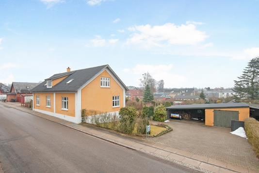 Villa på Lyngvej i Jyderup - Ejendommen
