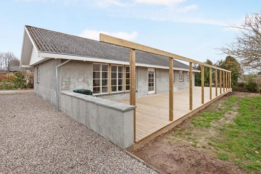 Villa på Aldersrovej i Jyderup - Ejendommen