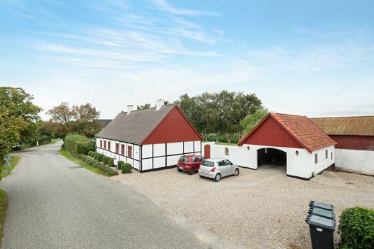 Villa på Skolevej i Mørkøv - Ejendom 1