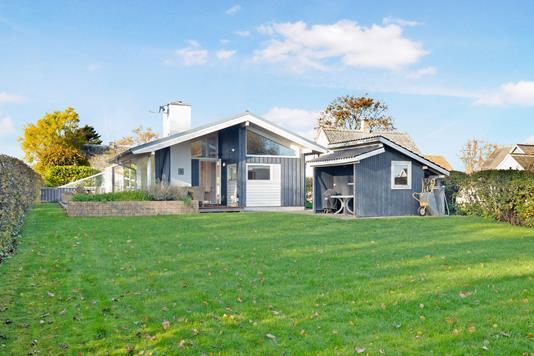 Villa på Smedevej i Føllenslev - Have