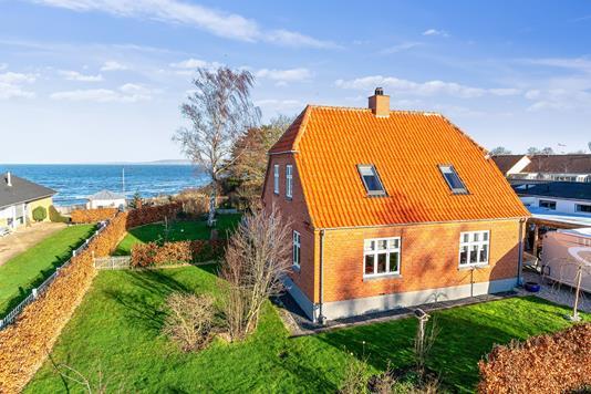 Villa på Havnevej i Føllenslev - Set fra haven