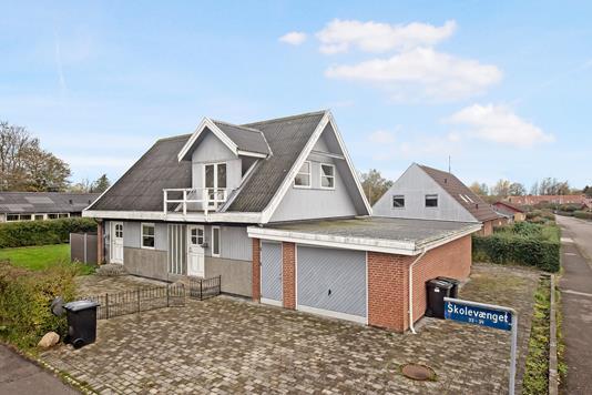 Villa på Skolevænget i Mørkøv - Ejendom 1