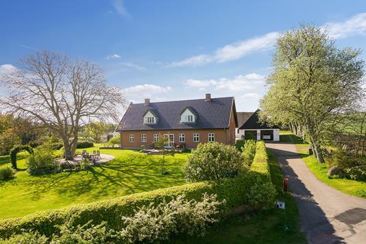 Villa på Dramstrup i Regstrup - Set fra vejen