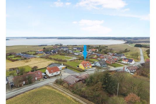 Villa på Højfaldsvej i Roslev - Luftfoto