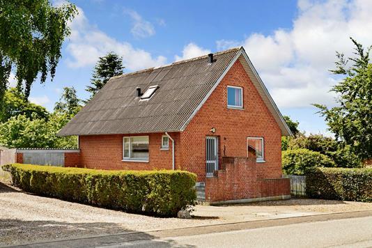 Villa på Østergade i Roslev - Ejendommen