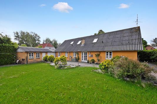 Villa på Fjordvej i Roslev - Ejendommen