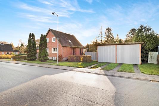 Villa på Bystedvej i Roslev - Ejendommen