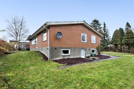 Villa på Skolevej i Højslev - Facade